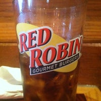 Photo taken at Red Robin Gourmet Burgers by Steven H. on 4/5/2013