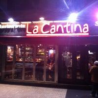 Foto tomada en La Cantina por Luis M. el 4/27/2013