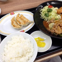 Photo taken at 餃子の王将 川西店 by らいと (. on 2/18/2018