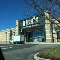 Photo taken at DICK'S Sporting Goods by Reyhan C. on 3/2/2016