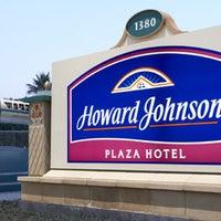 Photo taken at Howard Johnson Anaheim Hotel and Water Playground by Howard Johnson Anaheim Hotel and Water Playground on 9/4/2015