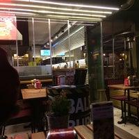 11/22/2014 tarihinde burak d.ziyaretçi tarafından Balboa Burger'de çekilen fotoğraf