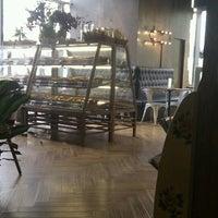 Photo taken at Frida Cafe - 自在人生 by bo b. on 9/15/2013