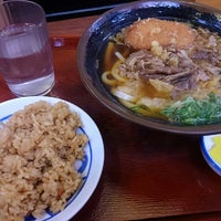 Photo taken at つるまる饂飩 ピオレごちそう館店 by 菜っ葉の菜 on 1/7/2017