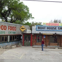Photo taken at Boat House Grill by david m. on 3/28/2013