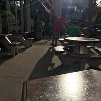 4/26/2018 tarihinde Robin B.ziyaretçi tarafından In-N-Out Burger'de çekilen fotoğraf