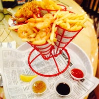Photo taken at Bubba Gump Shrimp Co by 💓 Ody P. on 1/9/2015