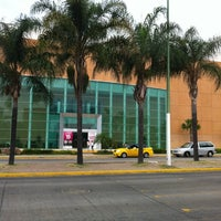 Foto tomada en Galerías Guadalajara por Ed R. el 10/20/2012