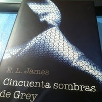 Photo taken at Leyendo 50 sombras by Joan S. on 1/21/2013