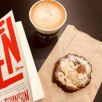11/7/2017 tarihinde Jackie M.ziyaretçi tarafından For Five Coffee Shop'de çekilen fotoğraf