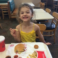 Photo taken at Wendy's by Yancy M. on 6/10/2014