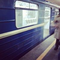 Снимок сделан в Станция метро «Немига» пользователем Alexey P. 12/30/2012