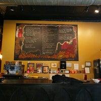 Photo taken at Dante's Pizzeria by narni on 5/2/2017