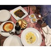 Das Foto wurde bei Restaurante Emma y Julia von Marisol V. am 12/3/2017 aufgenommen