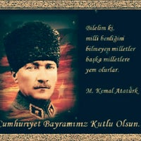 Photo taken at kuaför ali torlak by Osman E. on 10/29/2015