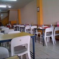 Photo taken at Ayam Pemuda by Handry S. on 3/2/2013