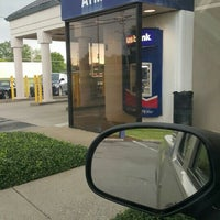 Photo taken at US Bank by Jemme D. on 5/4/2016