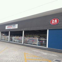 Photo taken at Drogaria Araujo by Alessander R. on 10/24/2012