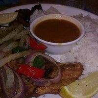 Foto tomada en Maracas Latin Restaurant por EConcepcion el 12/31/2012