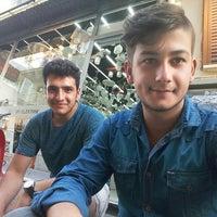 Photo taken at UYGUR ELEKTRİK AVİZE AYDINLATMA by Sezer İ. on 7/14/2016