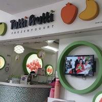 Photo taken at Tutti Frutti by Anakmami Y. on 3/30/2014