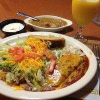 Photo taken at Tacos Jalisco by RokPrincess on 7/19/2013
