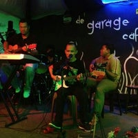 Photo taken at De ' Garage Cafe (Carwash) by Mohamad s. on 11/19/2012