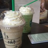 5/9/2016 tarihinde Anna V.ziyaretçi tarafından Starbucks Coffee'de çekilen fotoğraf