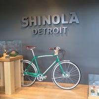 Das Foto wurde bei Shinola Store Detroit von Atiim am 6/29/2013 aufgenommen