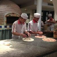 Photo taken at Pizzeria Limoncello by Candi P. on 5/26/2013