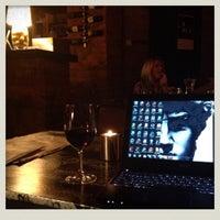 Das Foto wurde bei Doblo Wine & Bar von Henrietta G. am 11/15/2012 aufgenommen