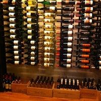 Das Foto wurde bei Tria Wine Room von Melanie D. am 2/16/2013 aufgenommen