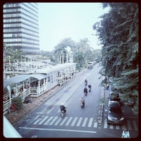Photo taken at Halte TransJakarta Dukuh Atas 2 by Icha S. on 1/30/2013
