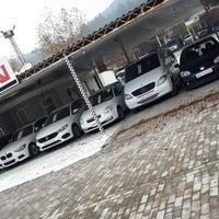 Photo taken at Güven Oto Galeri by GÜVEN OTO GALERİ G. on 12/1/2017