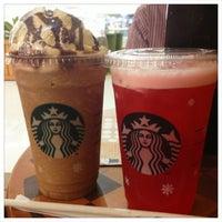 Photo taken at Starbucks by Giani M. on 11/12/2012