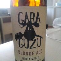 2/8/2014 tarihinde Cenk T.ziyaretçi tarafından Gara Guzu Brewery'de çekilen fotoğraf
