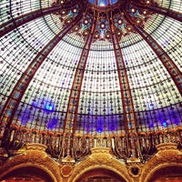 Photo taken at Galeries Lafayette Haussmann by Farid A. on 4/18/2013