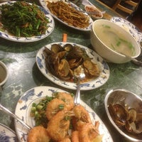 Photo taken at Taiwanese Specialties 老華西街台菜館 by Matthew on 12/29/2012