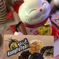 Foto tirada no(a) Kung Fu Tea 功夫茶 por Matthew em 11/26/2014