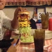 Foto tirada no(a) Mel's Country Cafe por Tony The Tiger em 10/27/2012
