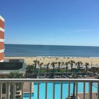 Photo taken at Holiday Inn & Suites Virginia Beach- North Beach by Shyra Mae E. on 4/10/2017