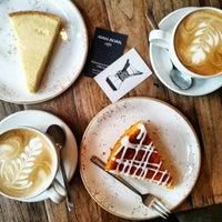 Das Foto wurde bei Jonas Reindl Coffee von Nóra F. am 1/13/2018 aufgenommen
