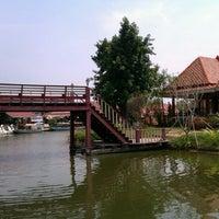 Photo taken at Hua Hin Sam Phan Nam Floating Market by Tang W. on 2/27/2013
