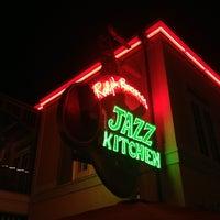 Photo taken at Ralph Brennan's Jazz Kitchen by Thomas B. on 7/25/2013