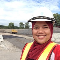 Photo taken at Works of Road P7G by Maro O. on 2/5/2015