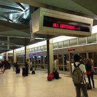 Das Foto wurde bei Newark AirTrain - Terminal A von Amanda C. am 6/14/2013 aufgenommen
