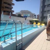 Photo taken at Pool of Hotel Metropolitan by Omer L. on 4/6/2014