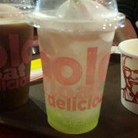Photo taken at KFC by Vaήs 😉 L. on 9/27/2015