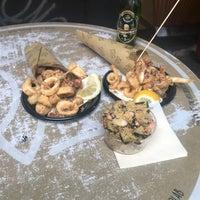 Foto scattata a Scirocco Sicilian Fish Lab da Askin B. il 12/28/2017