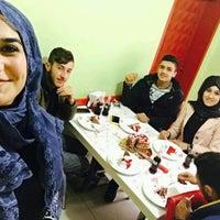 Photo taken at O ses çiğköfte (lezzetin adresi) by Medine V. on 1/3/2017